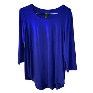 NWT Solid Blue 3/4 Sleeve Scoop Neck Rounded Hem